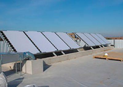 Planta semi-industrial de luz UV/solar para el tratamiento de efluentes industriales