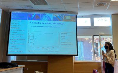 """La Alumna Sara López Ramírez, del Grado de Ingeniería Mecánica, ha presentado su TFG titulado """"Recuperación de CO2, procedente de la mineralización de aguas residuales, mediante biochar de orujo de aceituna."""
